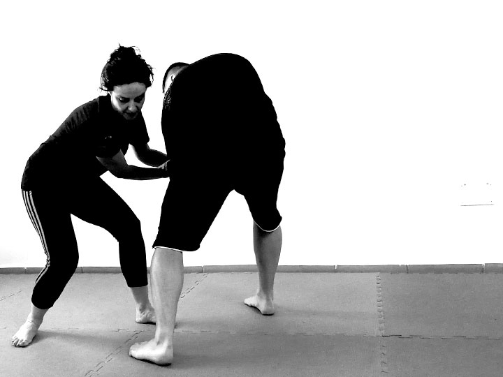 autoproteccion-para-mujeres-cursos-defensa-personal-femenina-acoso-agresion-a-mujeres-contra-violencia_machista-deporte-pilates-zumba-yoga-zamora-1