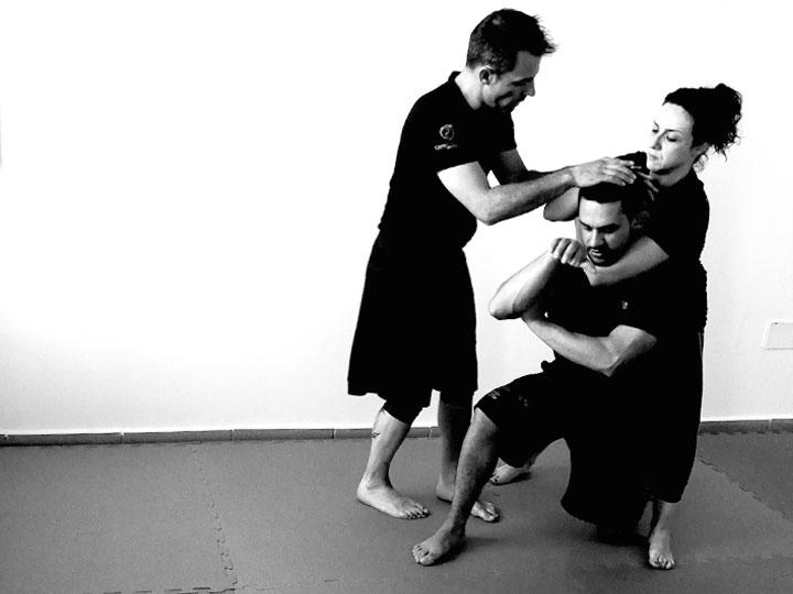 autoproteccion-para-mujeres-cursos-defensa-personal-femenina-acoso-agresion-a-mujeres-contra-violencia_machista-deporte-pilates-zumba-yoga-zamora-2
