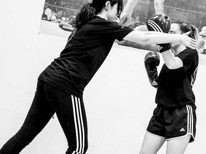 autoproteccion-para-mujeres-cursos-defensa-personal-femenina-acoso-agresion-a-mujeres-contra-violencia_machista-deporte-pilates-zumba-yoga-zamora-4