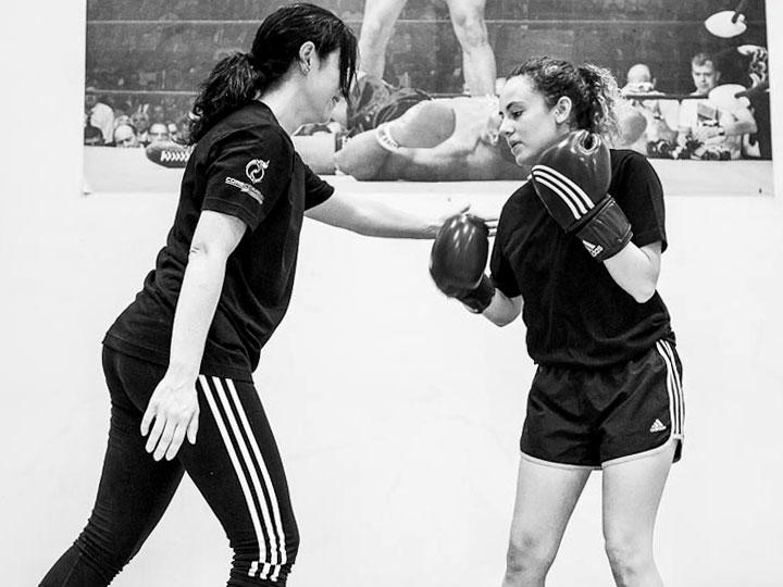 autoproteccion-para-mujeres-cursos-defensa-personal-femenina-acoso-agresion-a-mujeres-contra-violencia_machista-deporte-pilates-zumba-yoga-zamora-5