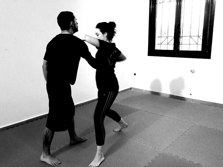 autoproteccion-para-mujeres-cursos-defensa-personal-femenina-acoso-agresion-a-mujeres-contra-violencia_machista-deporte-pilates-zumba-yoga-zamora