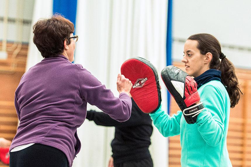 00006cursos-defensa-personal-para-mujeres-zamora-muelas-del-pan-club-artes-marciales-core-combat