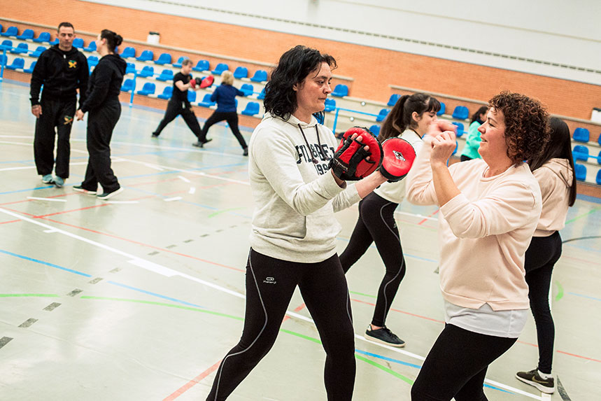 00014cursos-defensa-personal-para-mujeres-zamora-muelas-del-pan-club-artes-marciales-core-combat