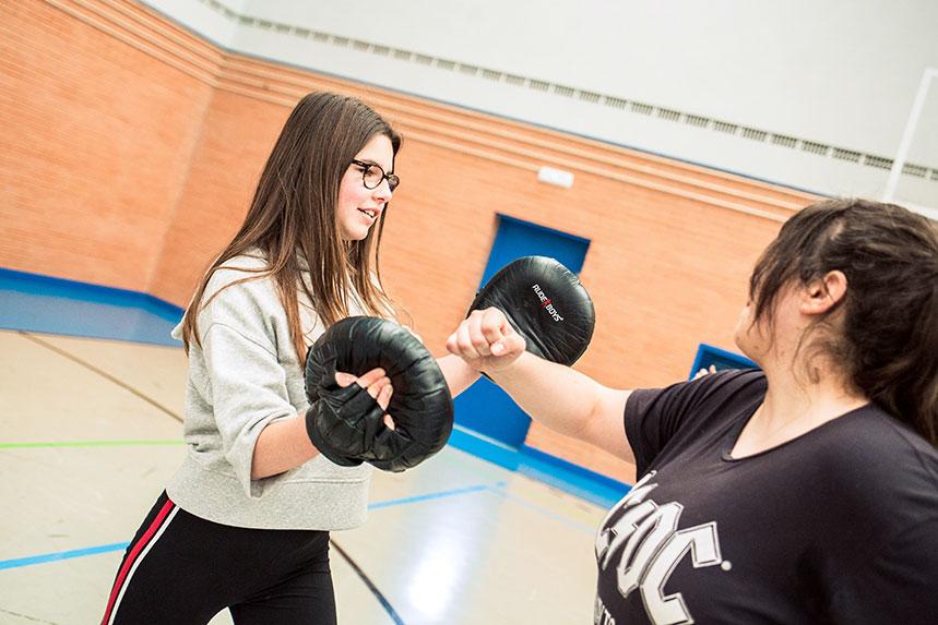 00017cursos-defensa-personal-para-mujeres-zamora-muelas-del-pan-club-artes-marciales-core-combat