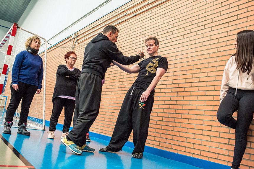00029cursos-defensa-personal-para-mujeres-zamora-muelas-del-pan-club-artes-marciales-core-combat