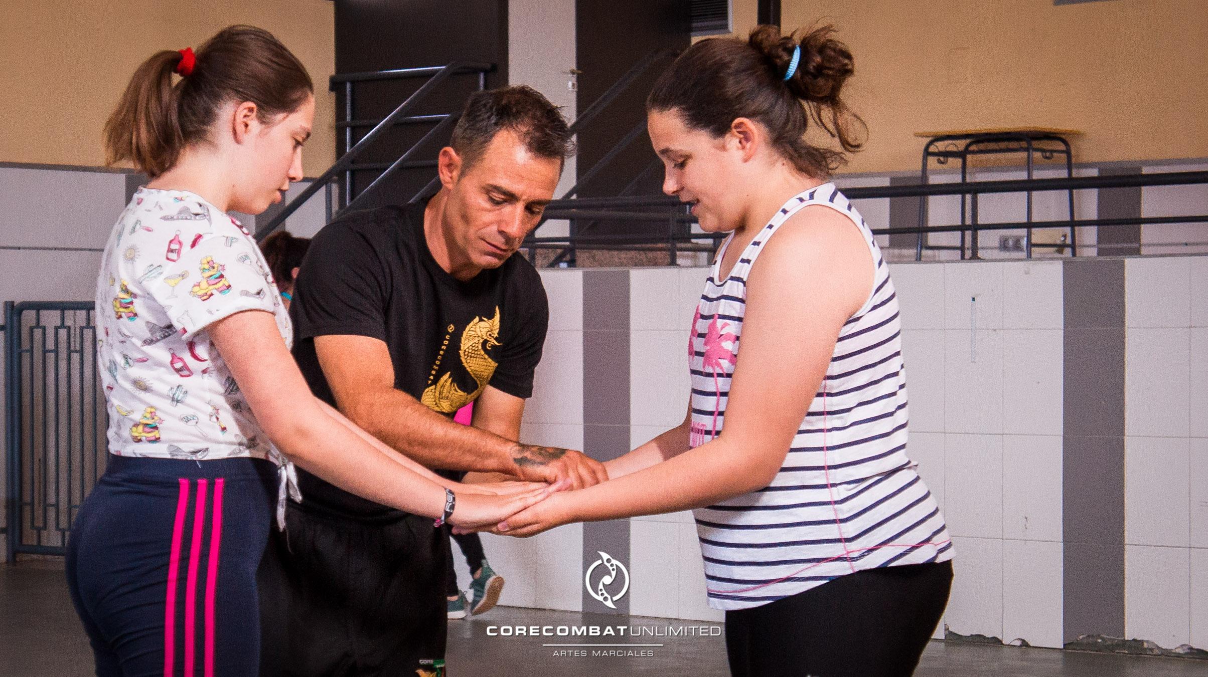 curso-defensa-personal-para-mujeres-zamora-coreses-artes-marciales-zamora-core-combat-salamanca-valladolid-leon-madrid-01