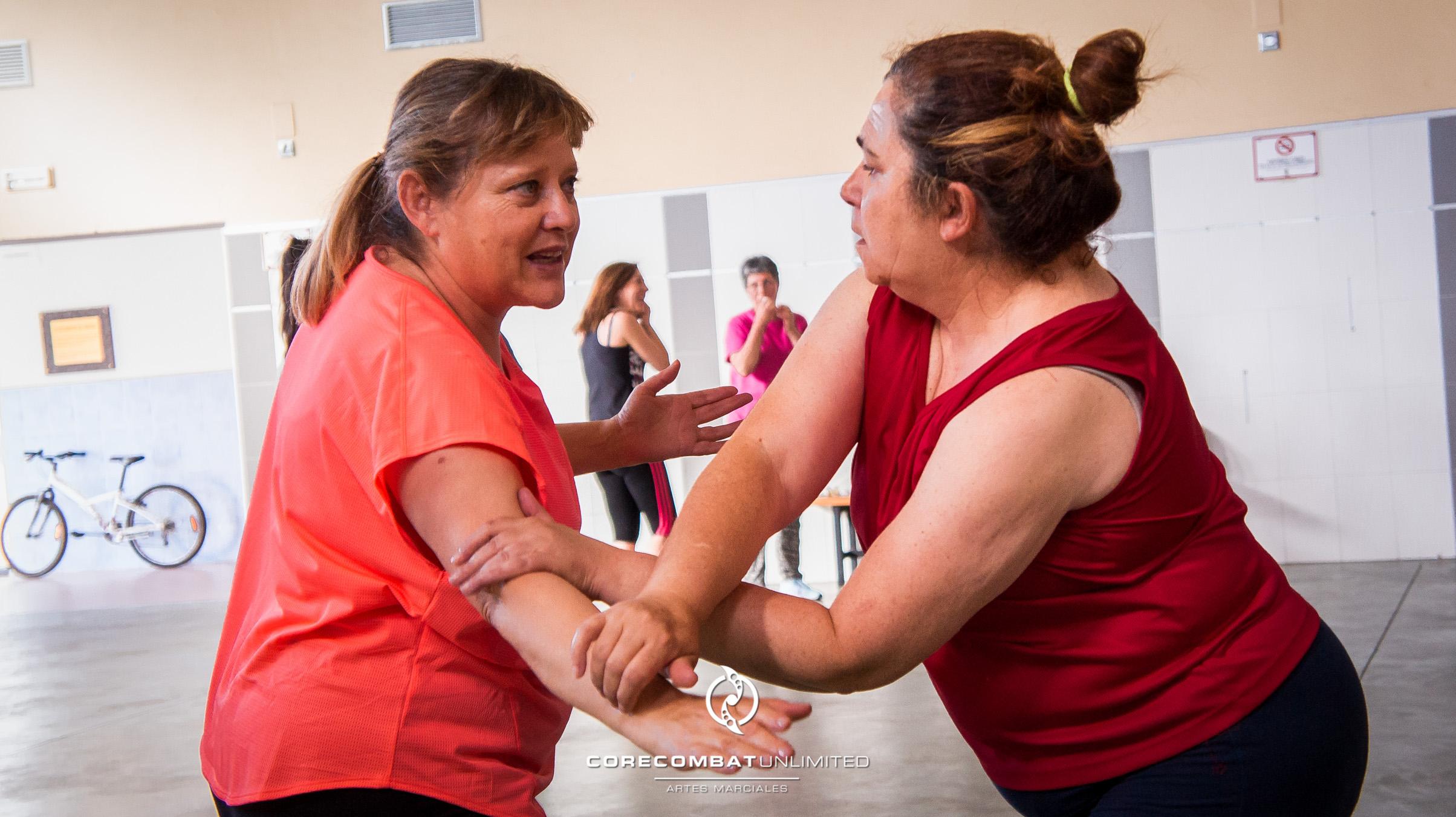 curso-defensa-personal-para-mujeres-zamora-coreses-artes-marciales-zamora-core-combat-salamanca-valladolid-leon-madrid-03