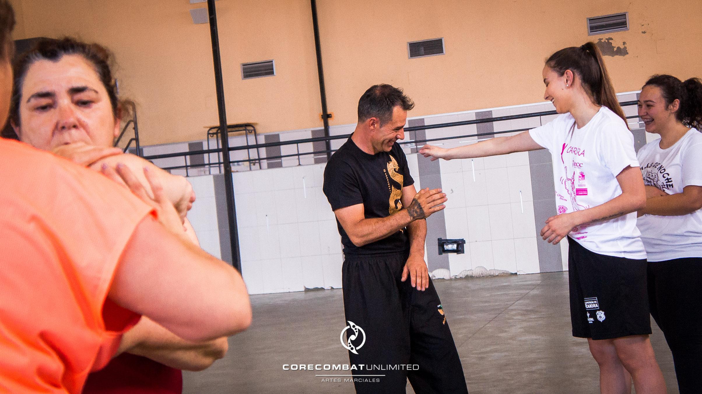 curso-defensa-personal-para-mujeres-zamora-coreses-artes-marciales-zamora-core-combat-salamanca-valladolid-leon-madrid-04