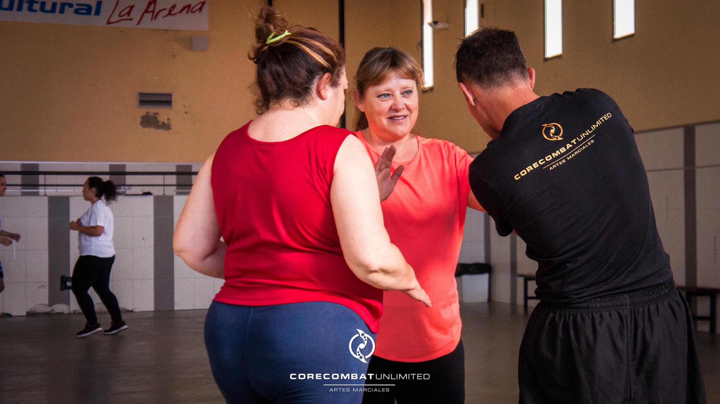 curso-defensa-personal-para-mujeres-zamora-coreses-artes-marciales-zamora-core-combat-salamanca-valladolid-leon-madrid-06