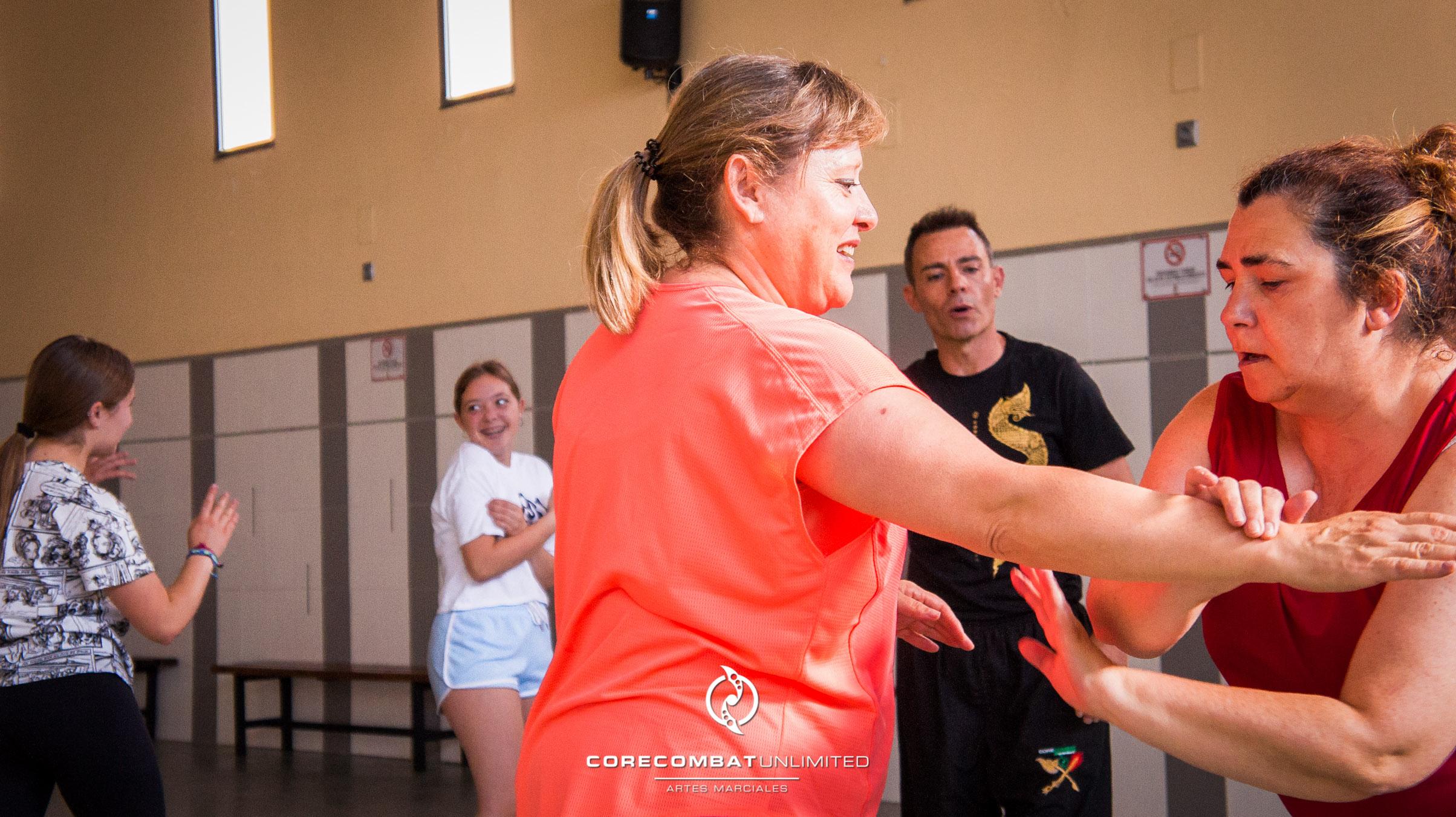 curso-defensa-personal-para-mujeres-zamora-coreses-artes-marciales-zamora-core-combat-salamanca-valladolid-leon-madrid-07