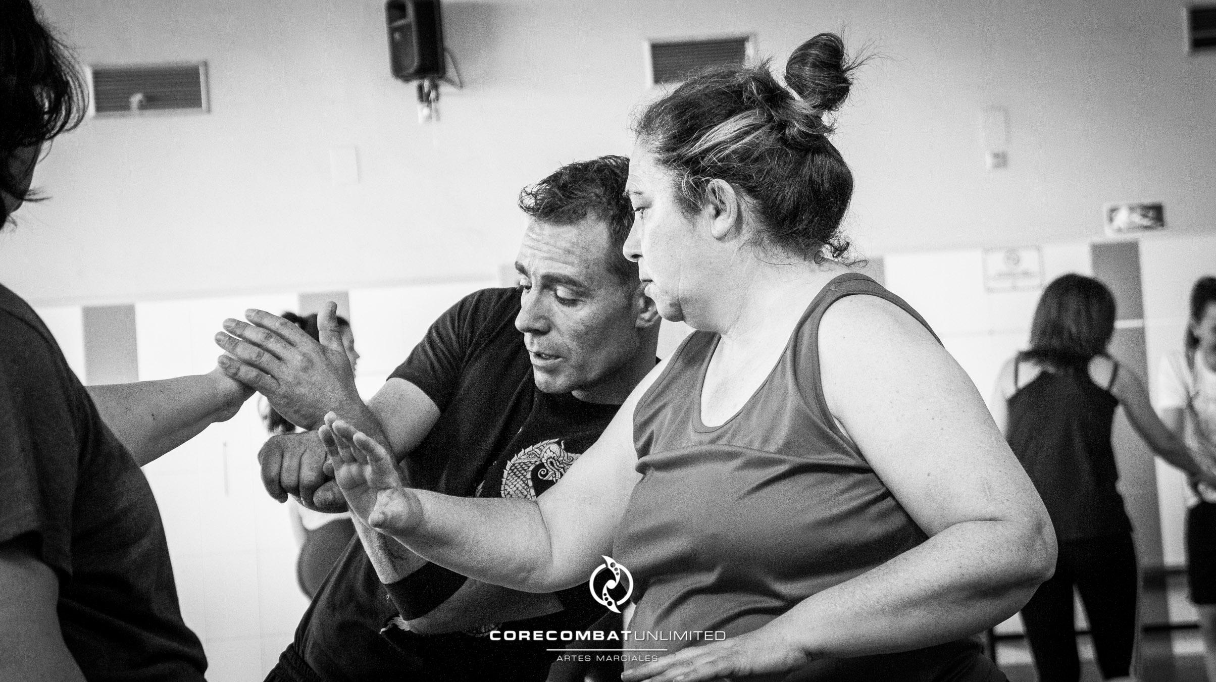 curso-defensa-personal-para-mujeres-zamora-coreses-artes-marciales-zamora-core-combat-salamanca-valladolid-leon-madrid-14