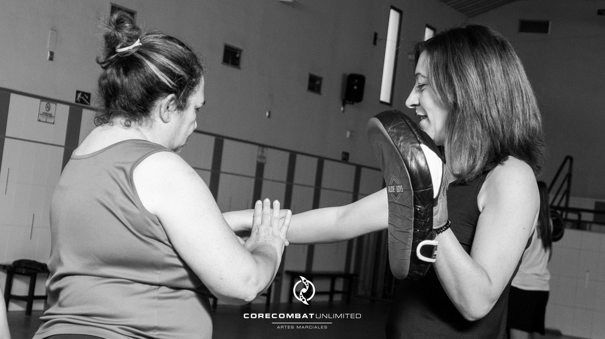 curso-defensa-personal-para-mujeres-zamora-coreses-artes-marciales-zamora-core-combat-salamanca-valladolid-leon-madrid-17