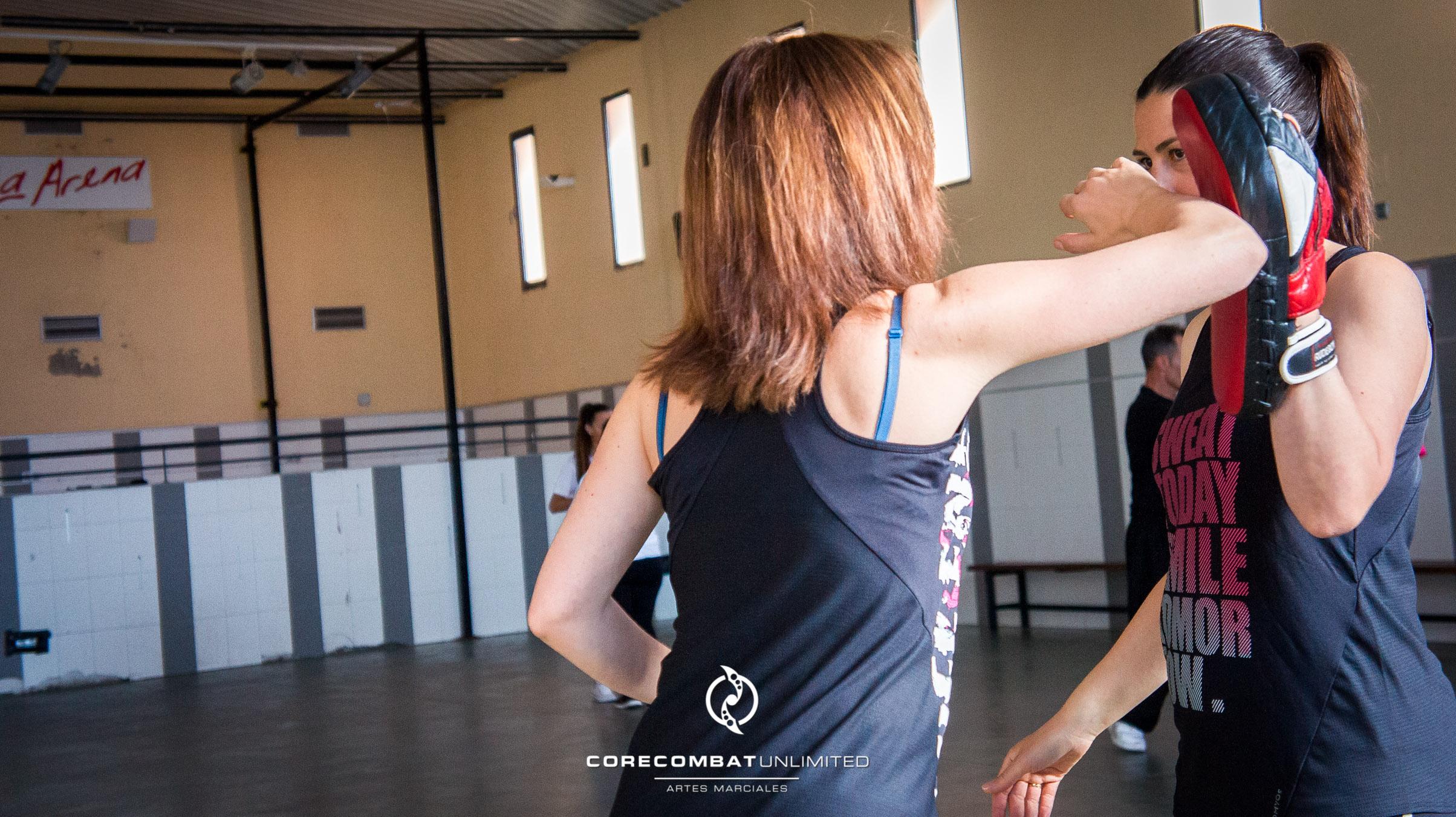 curso-defensa-personal-para-mujeres-zamora-coreses-artes-marciales-zamora-core-combat-salamanca-valladolid-leon-madrid-18