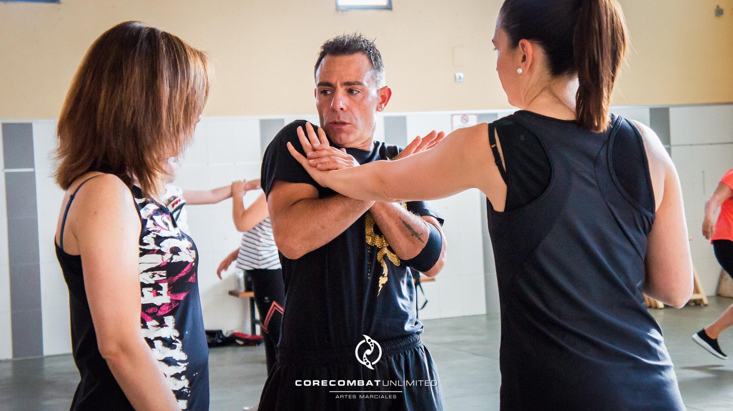 curso-defensa-personal-para-mujeres-zamora-coreses-artes-marciales-zamora-core-combat-salamanca-valladolid-leon-madrid-22