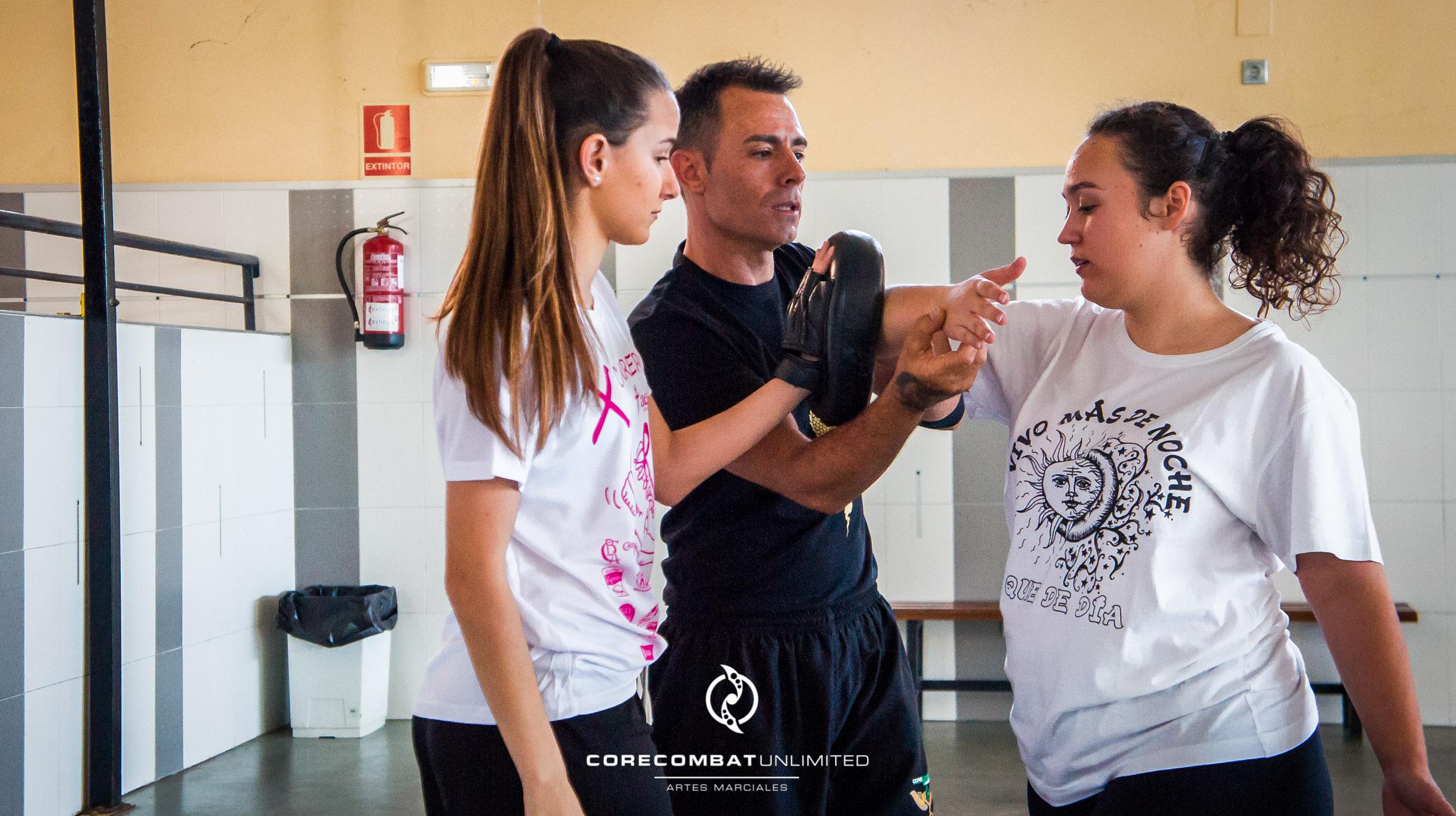 curso-defensa-personal-para-mujeres-zamora-coreses-artes-marciales-zamora-core-combat-salamanca-valladolid-leon-madrid-25