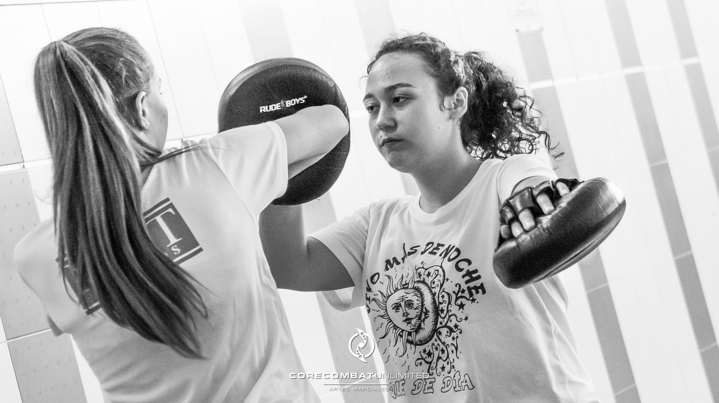 curso-defensa-personal-para-mujeres-zamora-coreses-artes-marciales-zamora-core-combat-salamanca-valladolid-leon-madrid-27