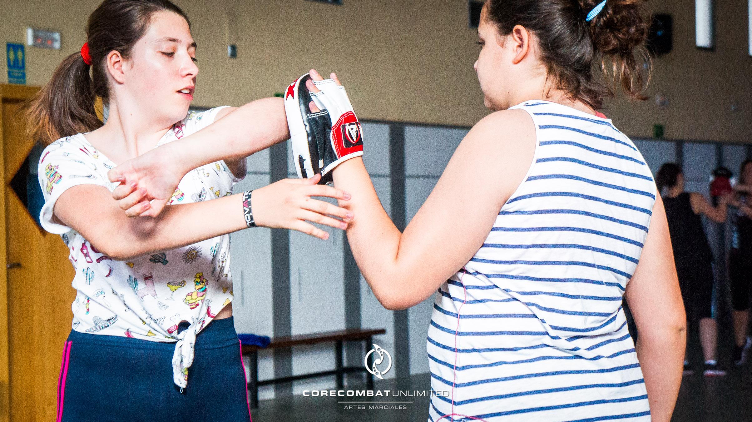 curso-defensa-personal-para-mujeres-zamora-coreses-artes-marciales-zamora-core-combat-salamanca-valladolid-leon-madrid-29