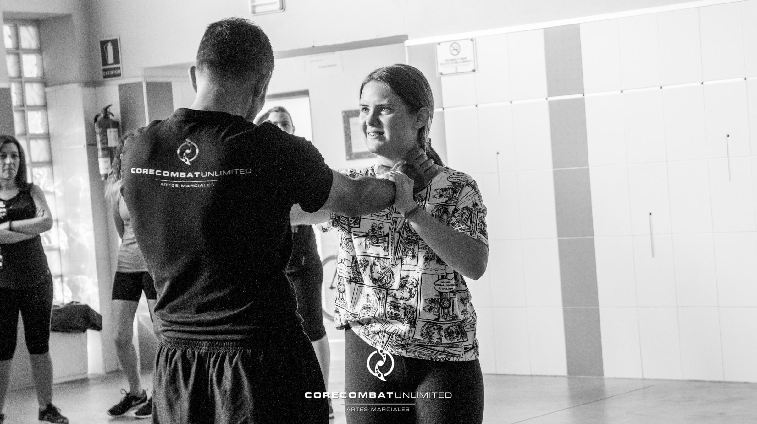 curso-defensa-personal-para-mujeres-zamora-coreses-artes-marciales-zamora-core-combat-salamanca-valladolid-leon-madrid-30