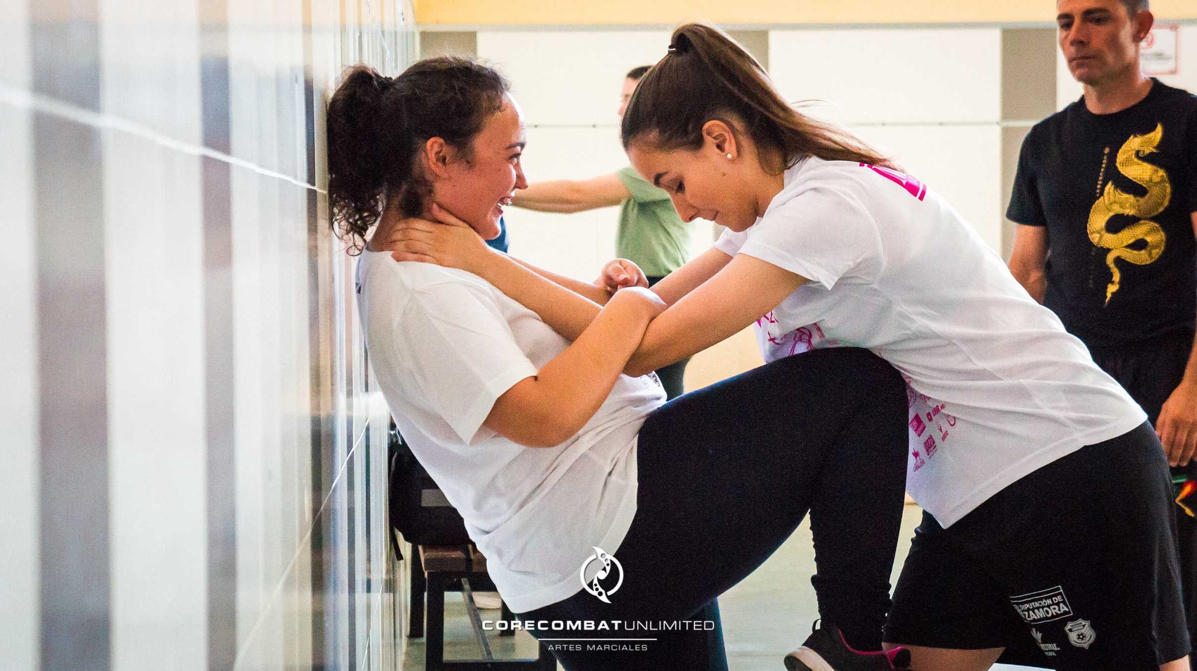 curso-defensa-personal-para-mujeres-zamora-coreses-artes-marciales-zamora-core-combat-salamanca-valladolid-leon-madrid-33