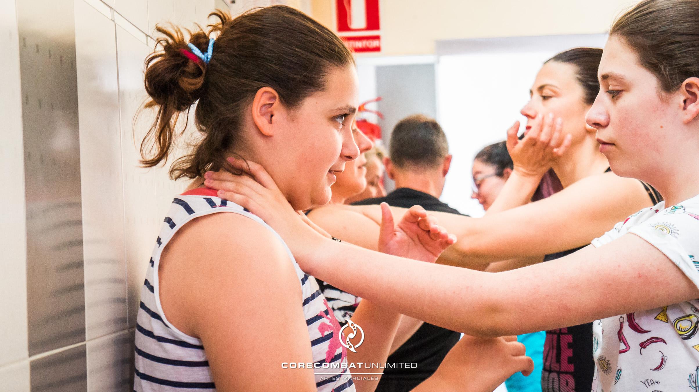 curso-defensa-personal-para-mujeres-zamora-coreses-artes-marciales-zamora-core-combat-salamanca-valladolid-leon-madrid-35