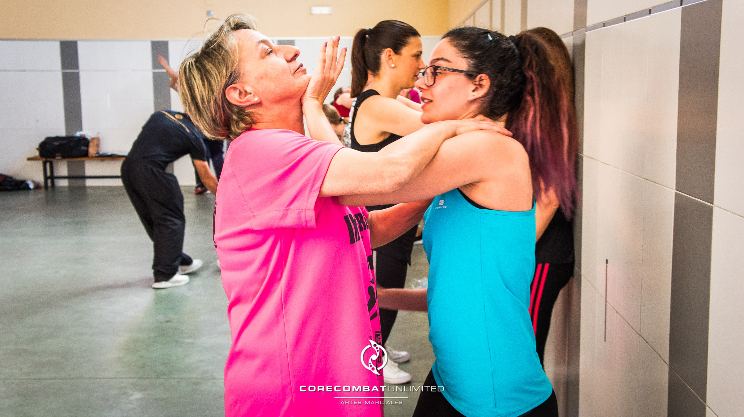 curso-defensa-personal-para-mujeres-zamora-coreses-artes-marciales-zamora-core-combat-salamanca-valladolid-leon-madrid-38