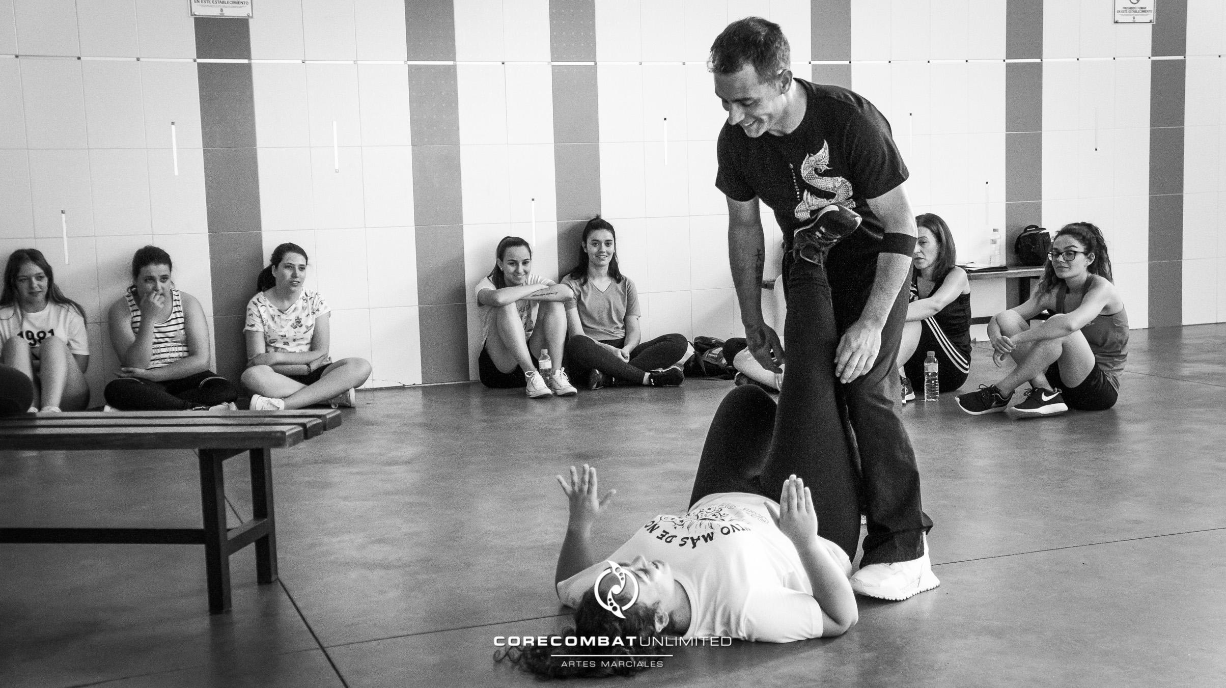 curso-defensa-personal-para-mujeres-zamora-coreses-artes-marciales-zamora-core-combat-salamanca-valladolid-leon-madrid-39