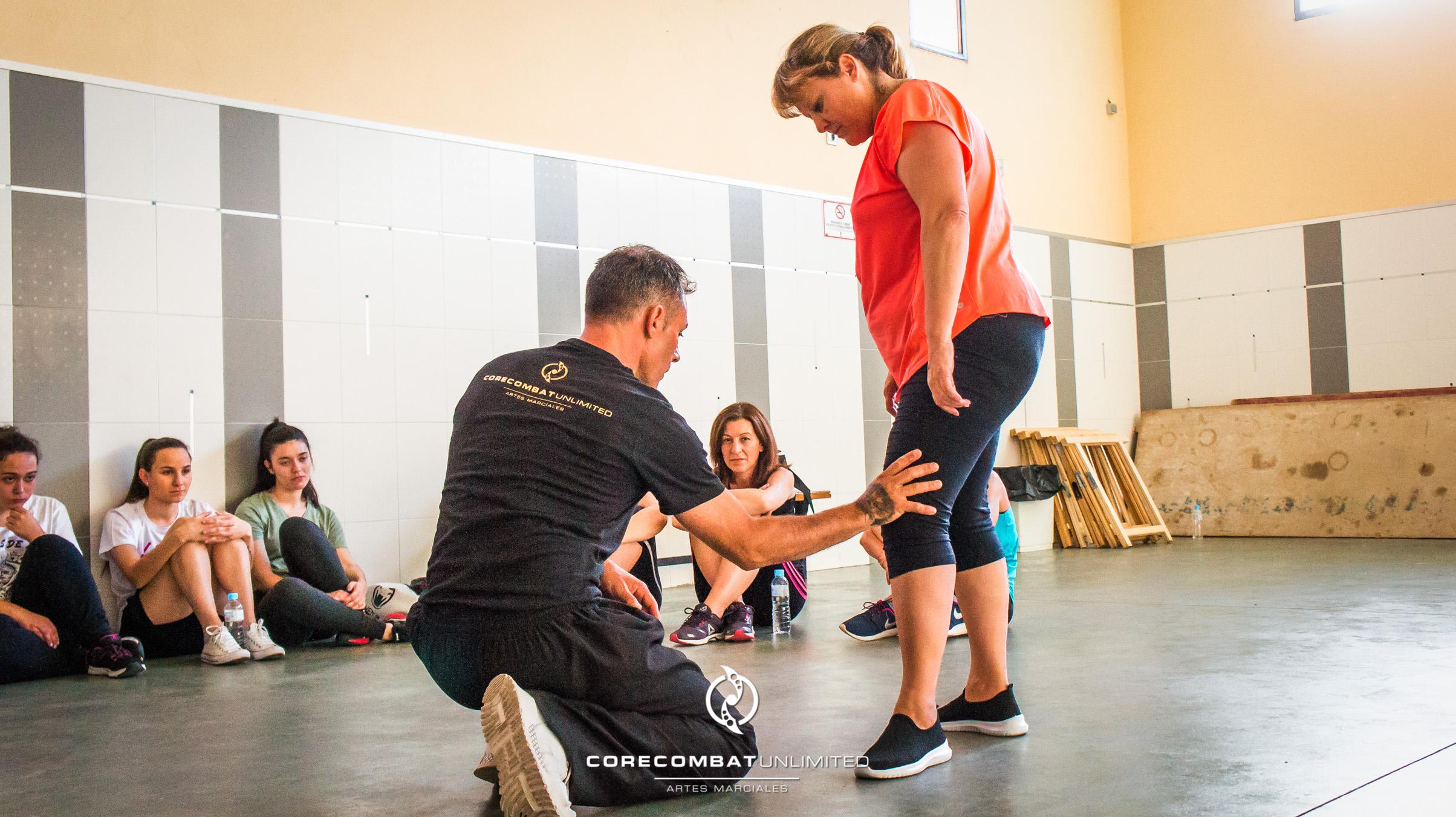 curso-defensa-personal-para-mujeres-zamora-coreses-artes-marciales-zamora-core-combat-salamanca-valladolid-leon-madrid-41
