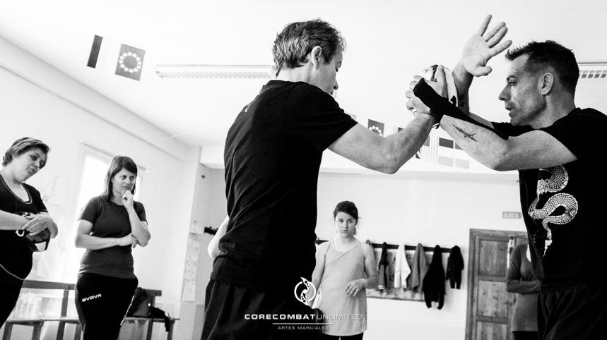 curso-defensa-personal-para-mujeres-zamora-perdigón-artes-marciales-zamora-core-combat-salamanca-valladolid-leon-madrid01