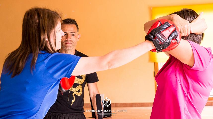 curso-defensa-personal-para-mujeres-zamora-perdigón-artes-marciales-zamora-core-combat-salamanca-valladolid-leon-madrid04