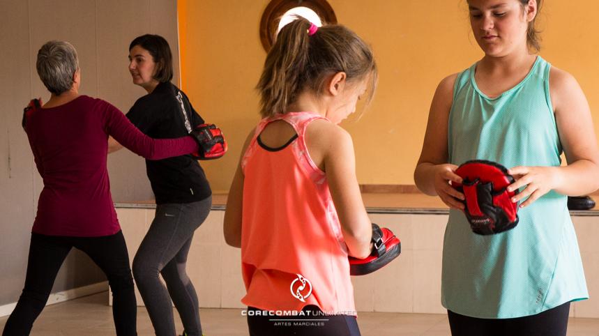 curso-defensa-personal-para-mujeres-zamora-perdigón-artes-marciales-zamora-core-combat-salamanca-valladolid-leon-madrid06
