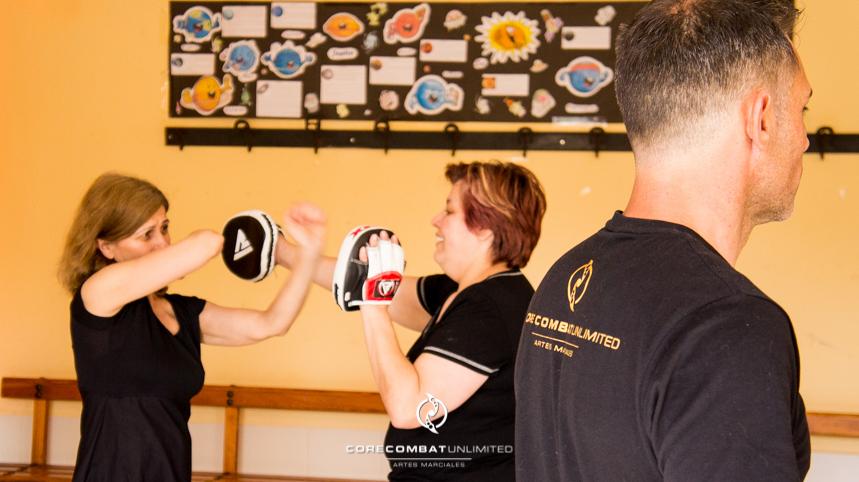 curso-defensa-personal-para-mujeres-zamora-perdigón-artes-marciales-zamora-core-combat-salamanca-valladolid-leon-madrid11