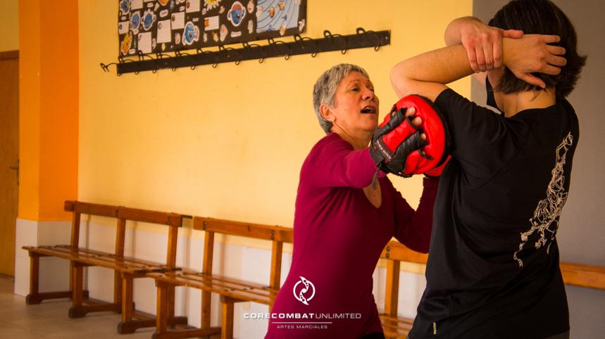 curso-defensa-personal-para-mujeres-zamora-perdigón-artes-marciales-zamora-core-combat-salamanca-valladolid-leon-madrid14