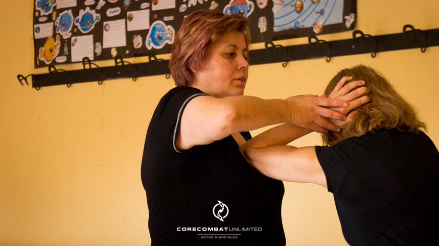 curso-defensa-personal-para-mujeres-zamora-perdigón-artes-marciales-zamora-core-combat-salamanca-valladolid-leon-madrid16