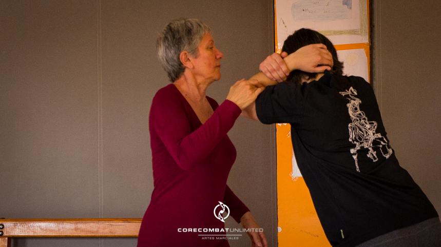 curso-defensa-personal-para-mujeres-zamora-perdigón-artes-marciales-zamora-core-combat-salamanca-valladolid-leon-madrid17