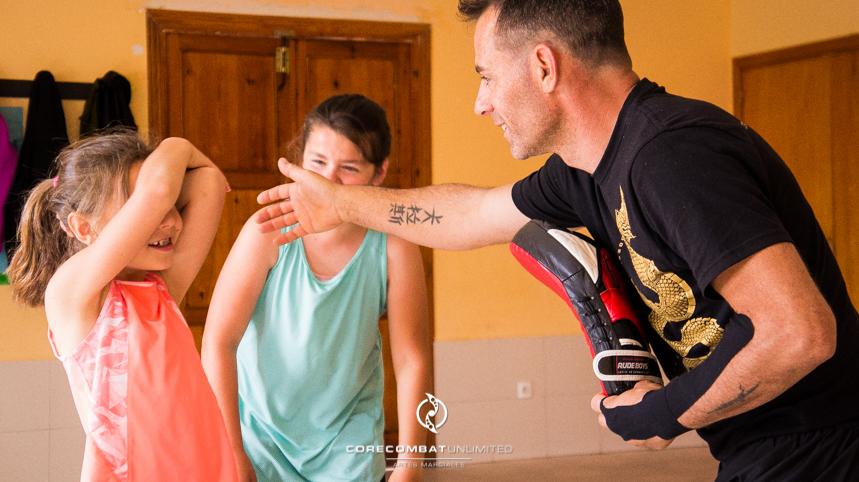 curso-defensa-personal-para-mujeres-zamora-perdigón-artes-marciales-zamora-core-combat-salamanca-valladolid-leon-madrid18