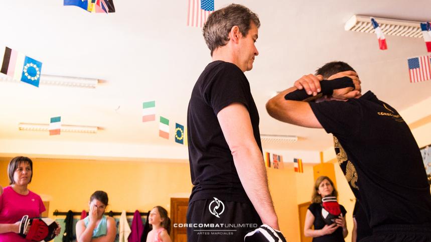 curso-defensa-personal-para-mujeres-zamora-perdigón-artes-marciales-zamora-core-combat-salamanca-valladolid-leon-madrid50